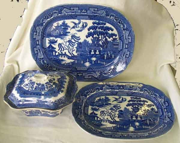 """21: Allerton Staffordshire """"Willow"""" Pottery"""