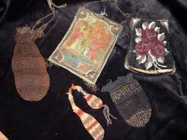 670: Antique Beaded Lady's Purses