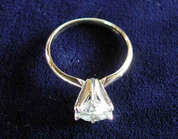 678: Gold and Diamond Solitaire-Style Ring
