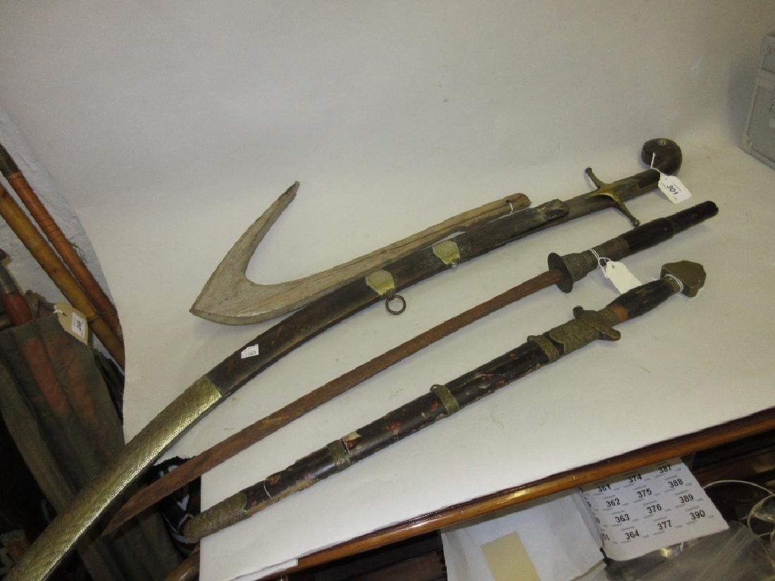 19th Century Eastern steel sabre with horn and brass