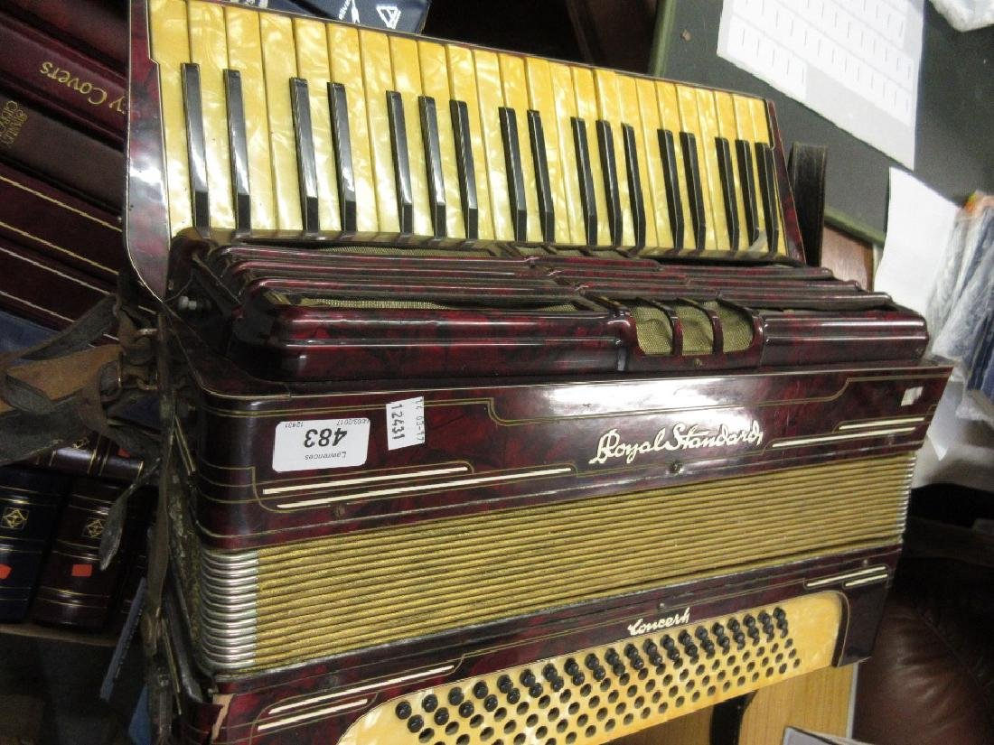 Royal Standard piano accordian