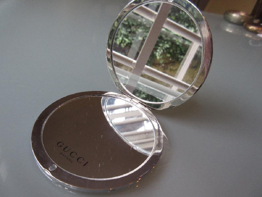 Gucci circular folding make-up mirror in original pouch