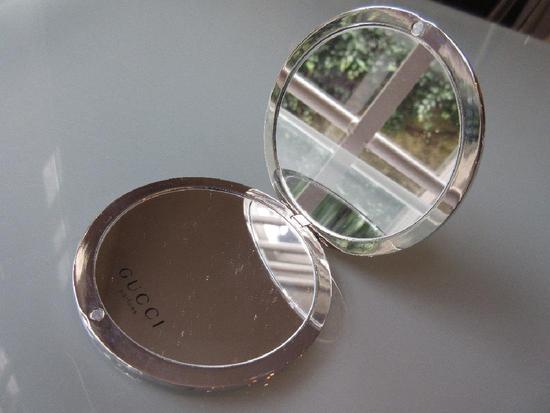 Gucci circular folding make-up mirror in original pouch - 2