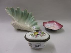 19th Century Continental porcelain box and cover with