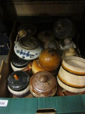 Collection of various pottery and porcelain tobacco