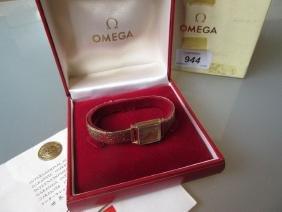 Ladies Omega 9ct gold cased wristwatch