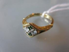 18ct Yellow gold ring set two diamonds and two emeralds