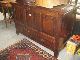 18th Century oak mule chest with a hinged cover above