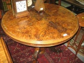 Small Victorian circular figured walnut tilt top table