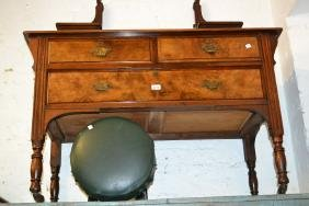 Victorian walnut dressing table with rectangular swing