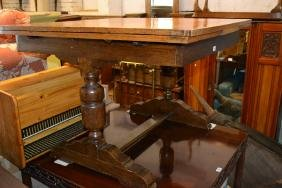 1930's Oak draw-leaf dining table and six matching