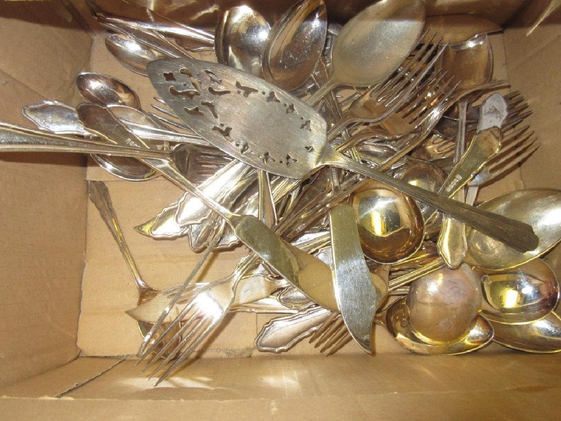 Small quantity of miscellaneous plated cutlery