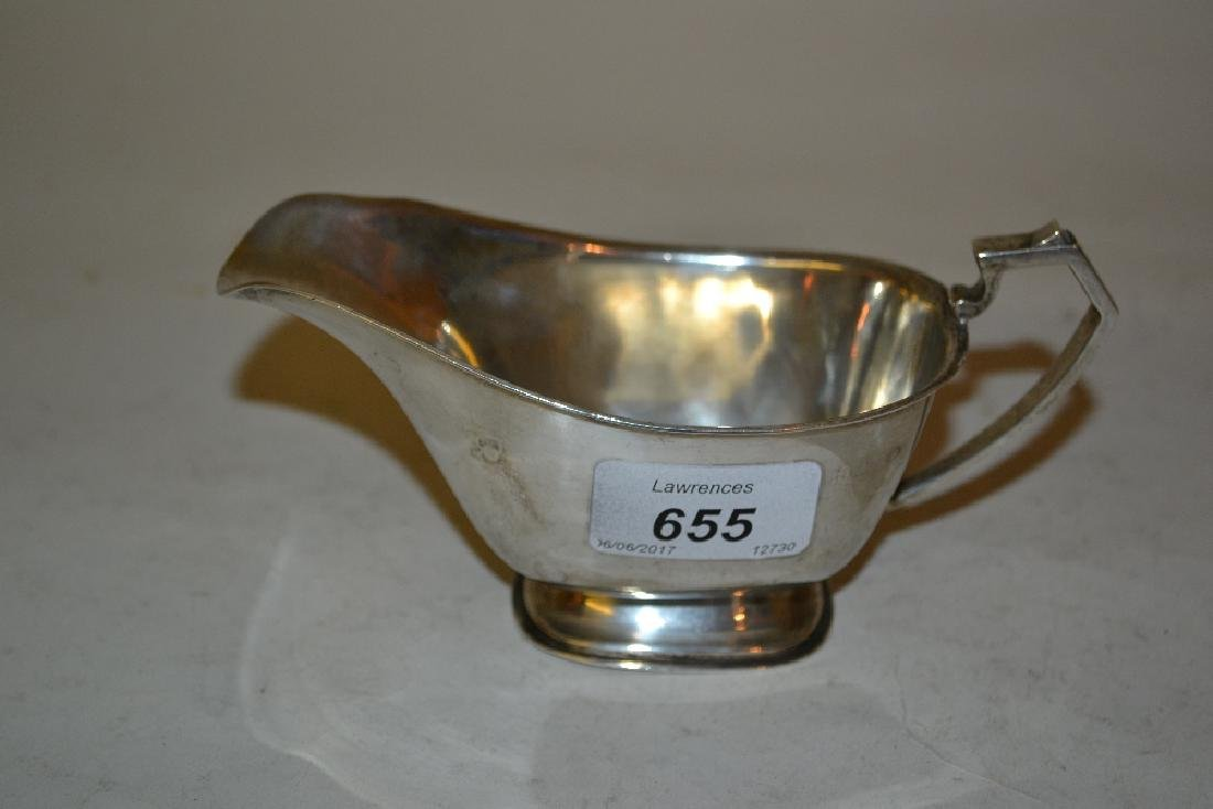 Chester silver sauce boat, 1935