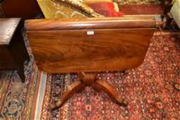 Good quality early 19th Century mahogany drop-leaf