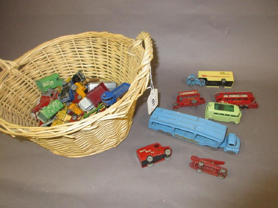 Tray containing a quantity of various Lesney die-cast