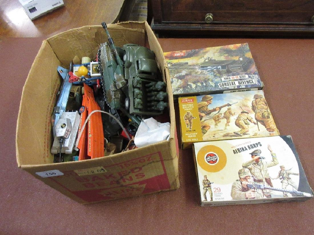 Quantity of mid 20th Century die-cast metal and other