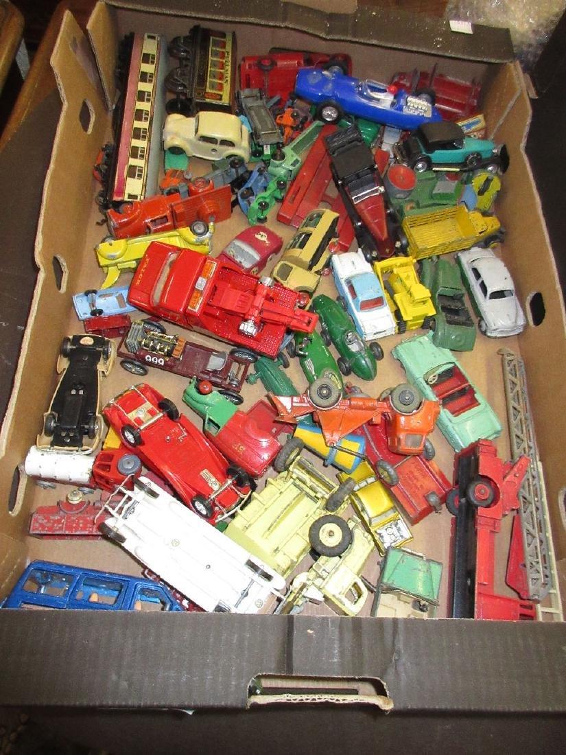 Quantity of various die-cast metal model vehicles