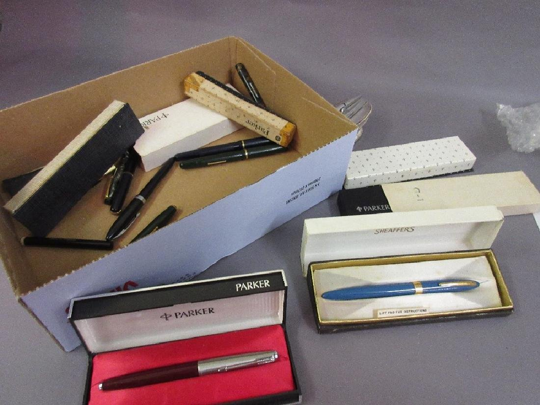 Quantity of various fountain pens, two cigarette