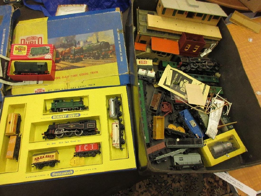 Hornby Dublo boxed tank goods train set, together with