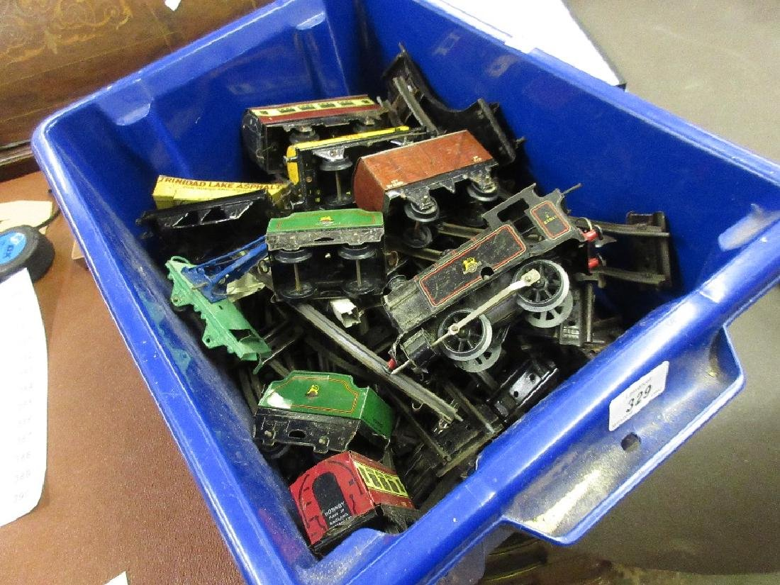 Hornby tin plate clockwork railway set including an