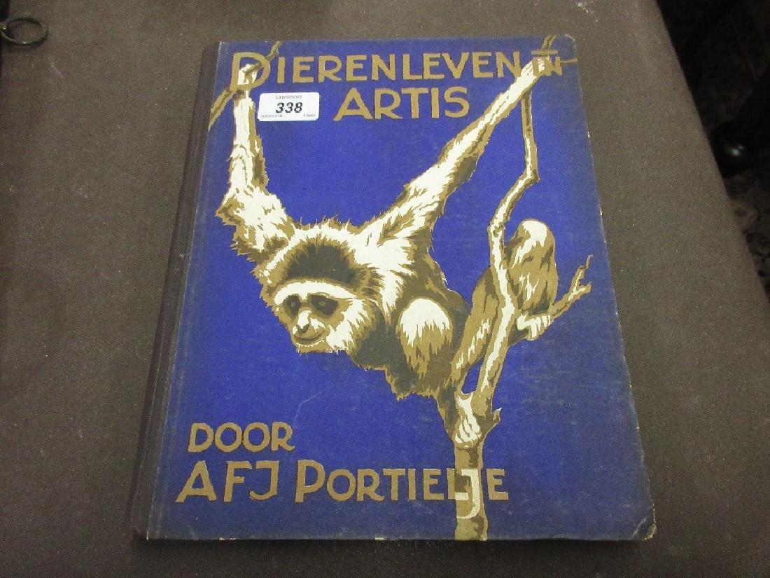 Dierenleven in Artis album of Dutch cards, 1939