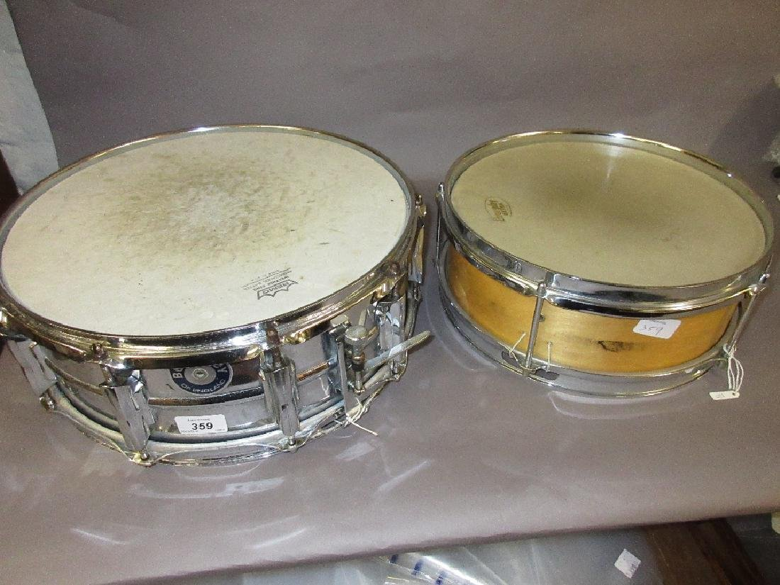 Beverly snare drum with wooden shell, 12ins x 4ins and