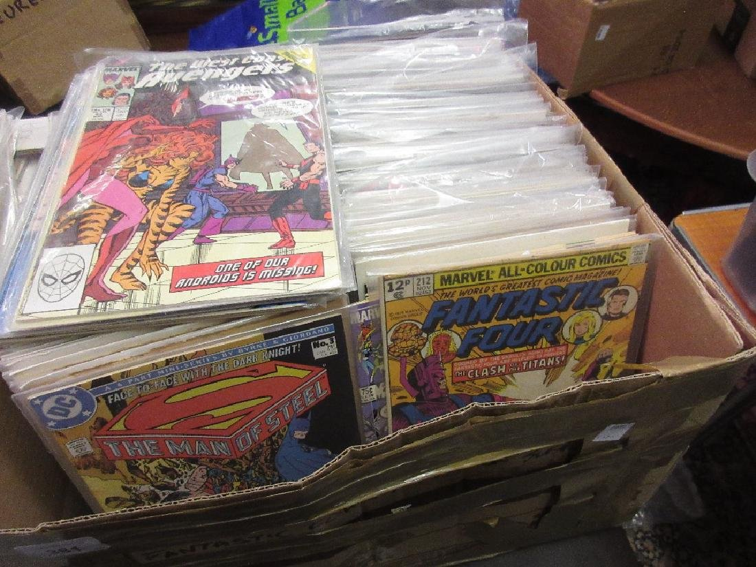 Large quantity of Fantastic Four comics, including some