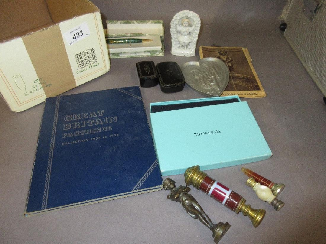 Box containing a quantity of miscellaneous items