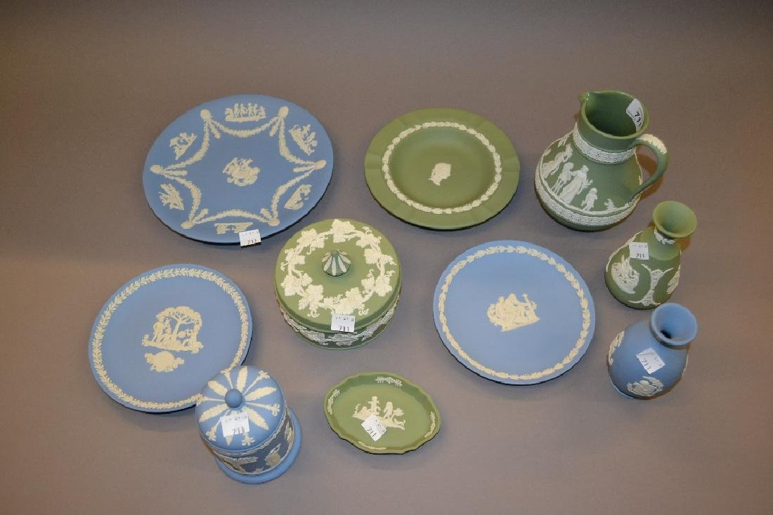 Collection of various Wedgwood green and blue