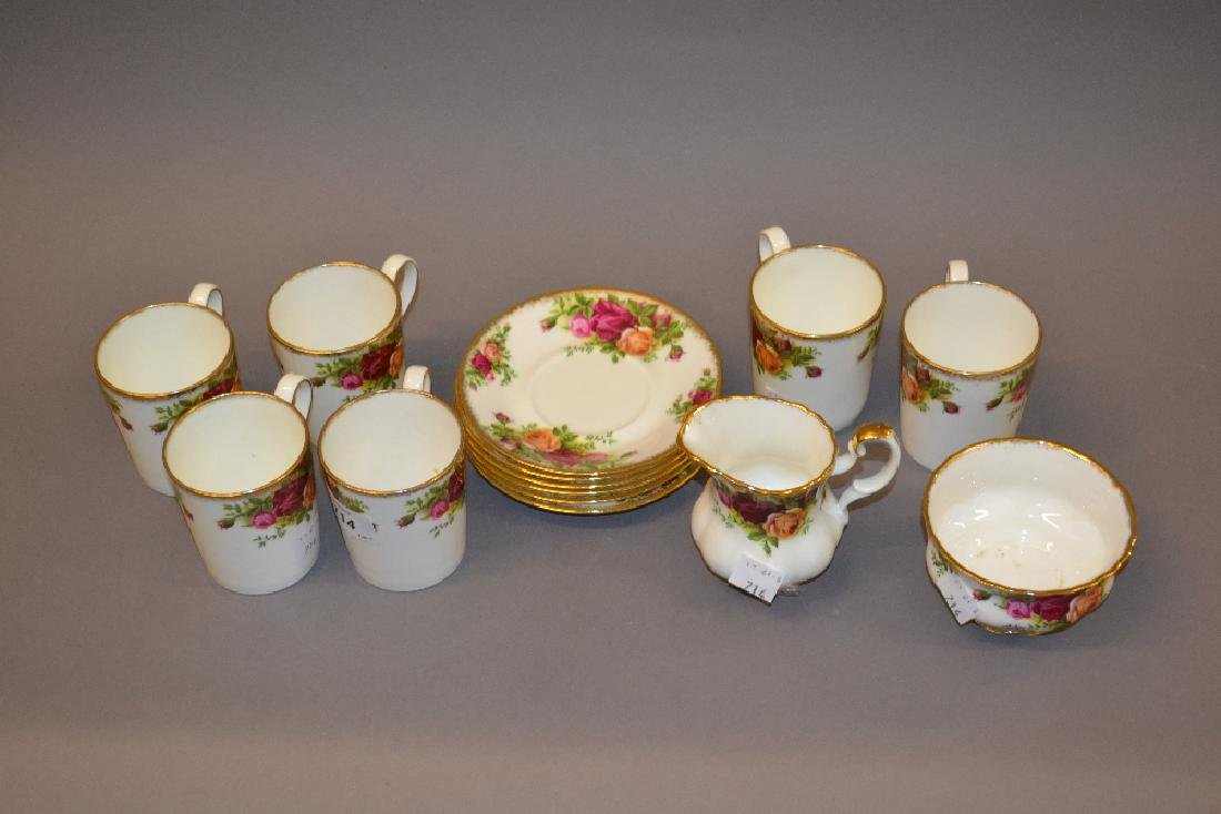 Set of six Royal Albert Old Country Roses pattern