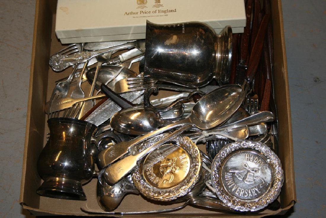 Quantity of various plated flatware including two cased