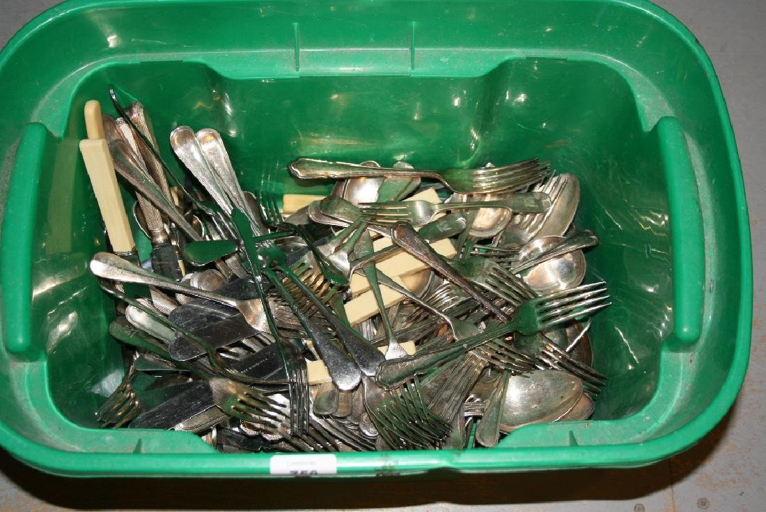 Large quantity of loose silver plated flatware