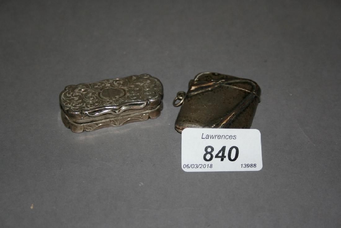 Victorian silver vinaigrette and a silver Art Nouveau