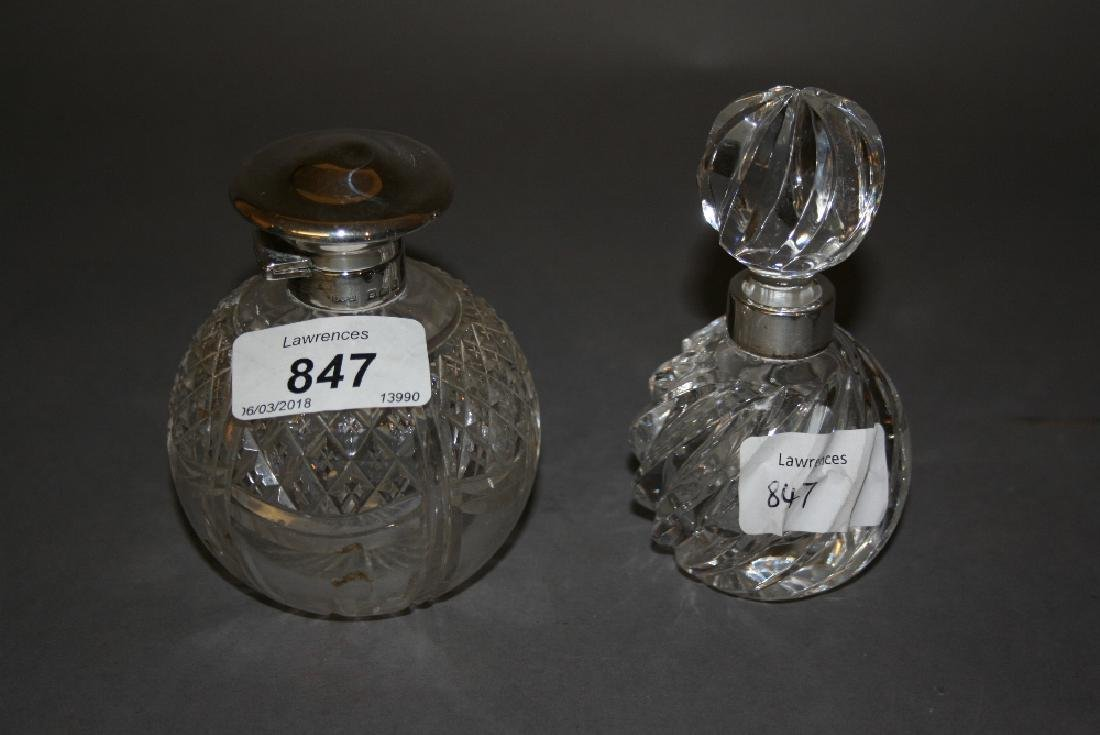 Birmingham silver mounted cut glass perfume bottle