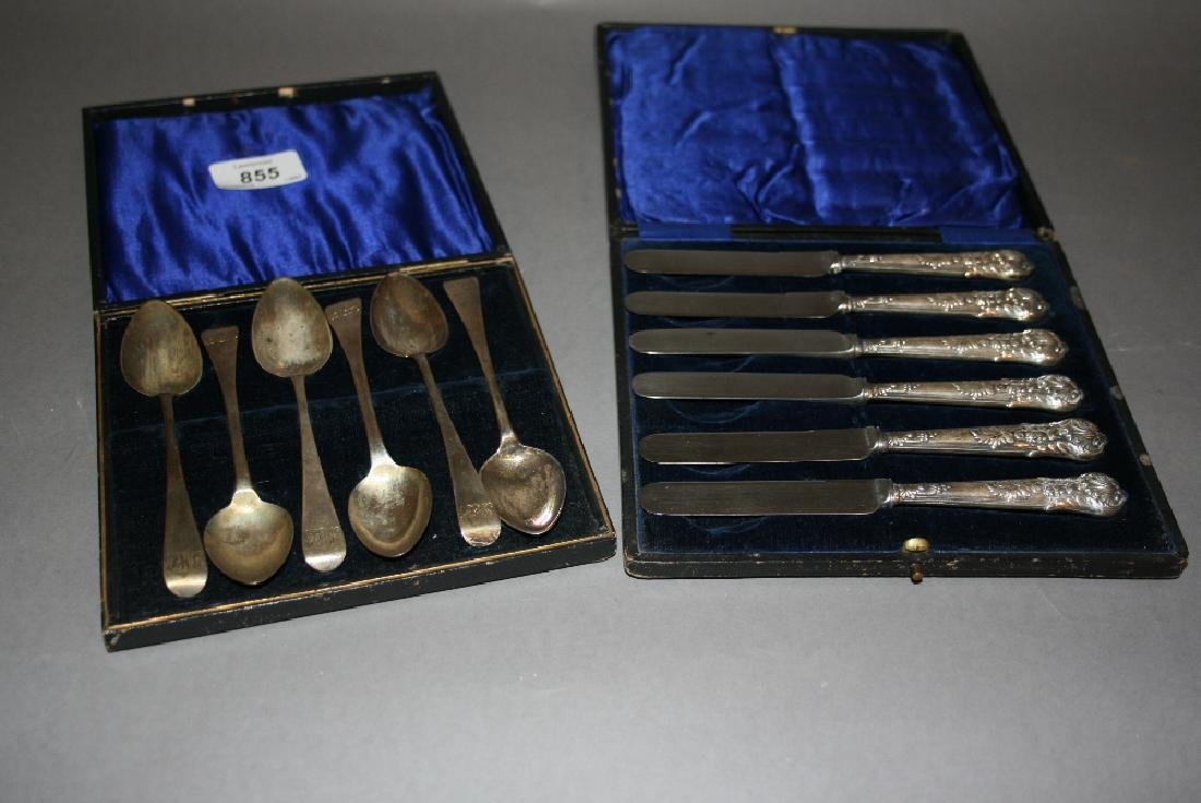 Set of six George III silver coffee spoons in box