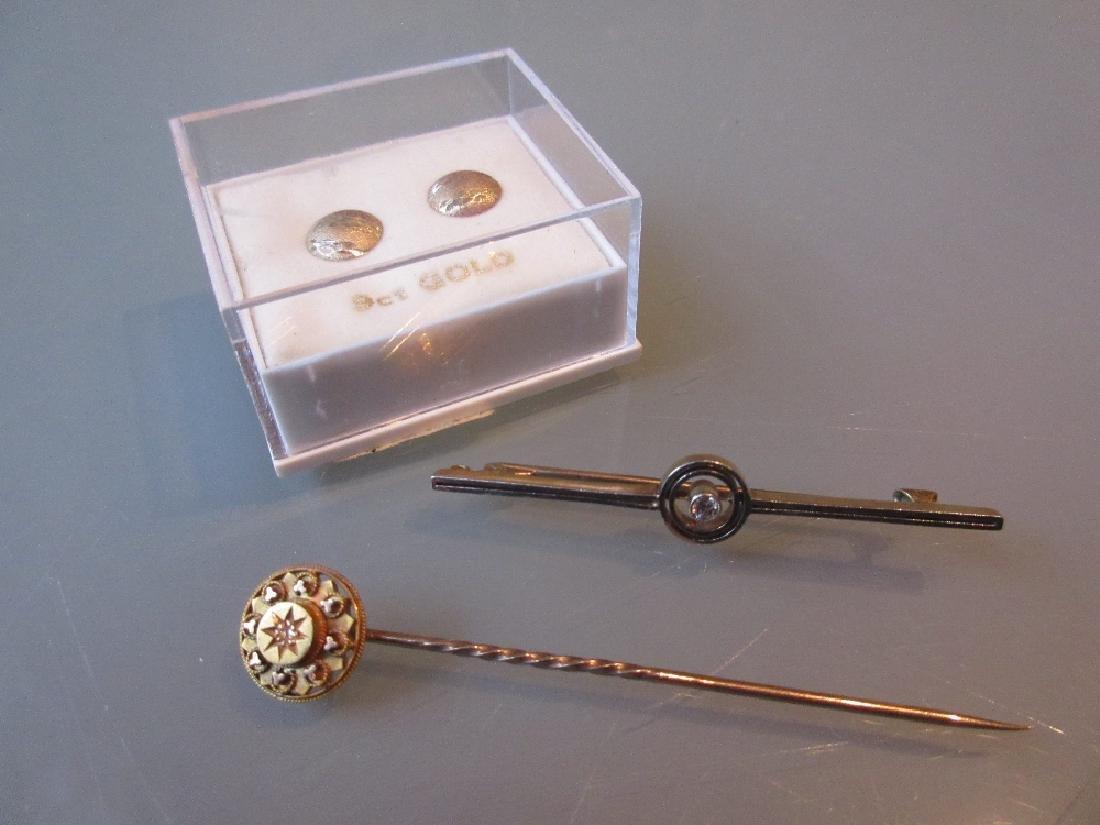 Art Deco diamond set tie pin / bar brooch, a 9ct gold
