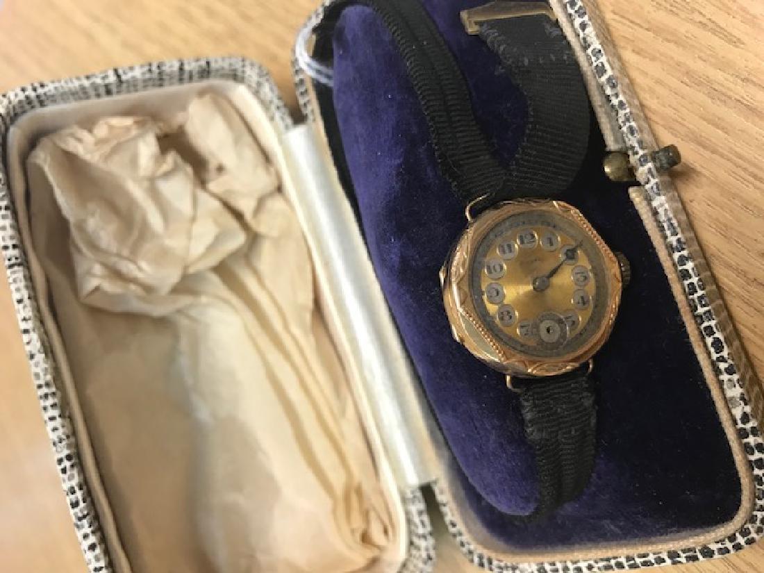 Ladies 9ct gold cased wristwatch