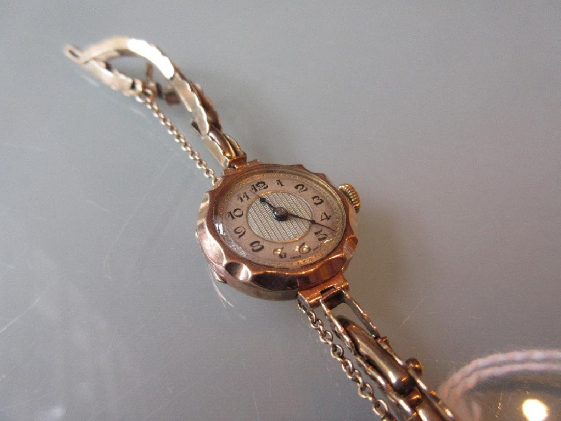 Ladies 9ct gold wristwatch with 9ct gold bracelet strap