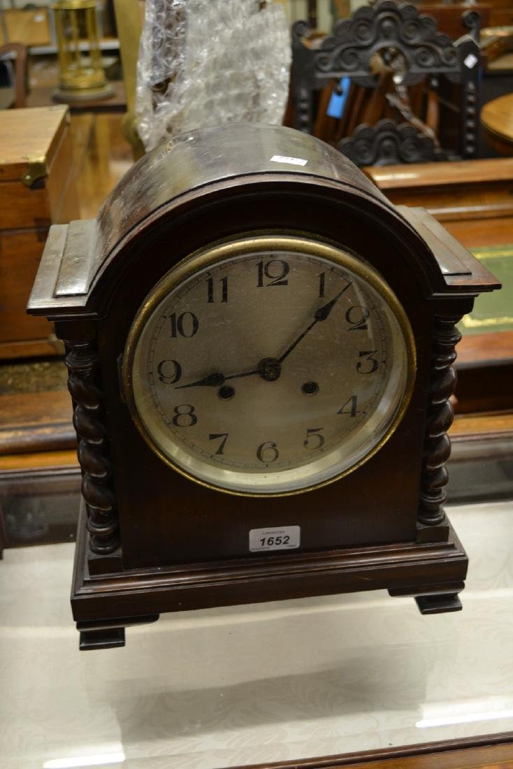 Early 20th Century mahogany mantel clock, the circular