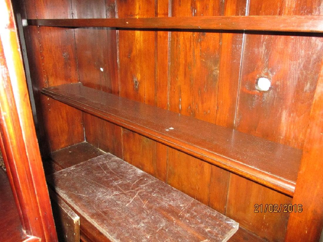 Victorian mahogany bookcase with open shelves above two