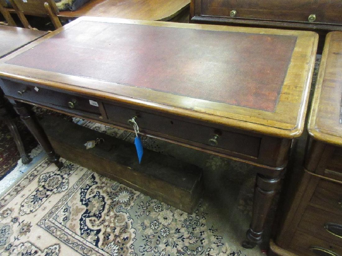 Good quality Victorian mahogany writing table, the
