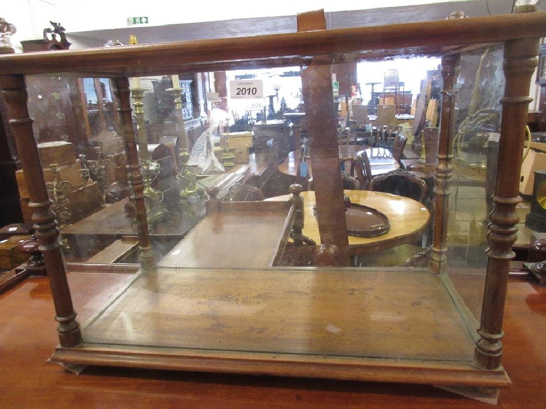 Edwardian mahogany display case with turned corners and
