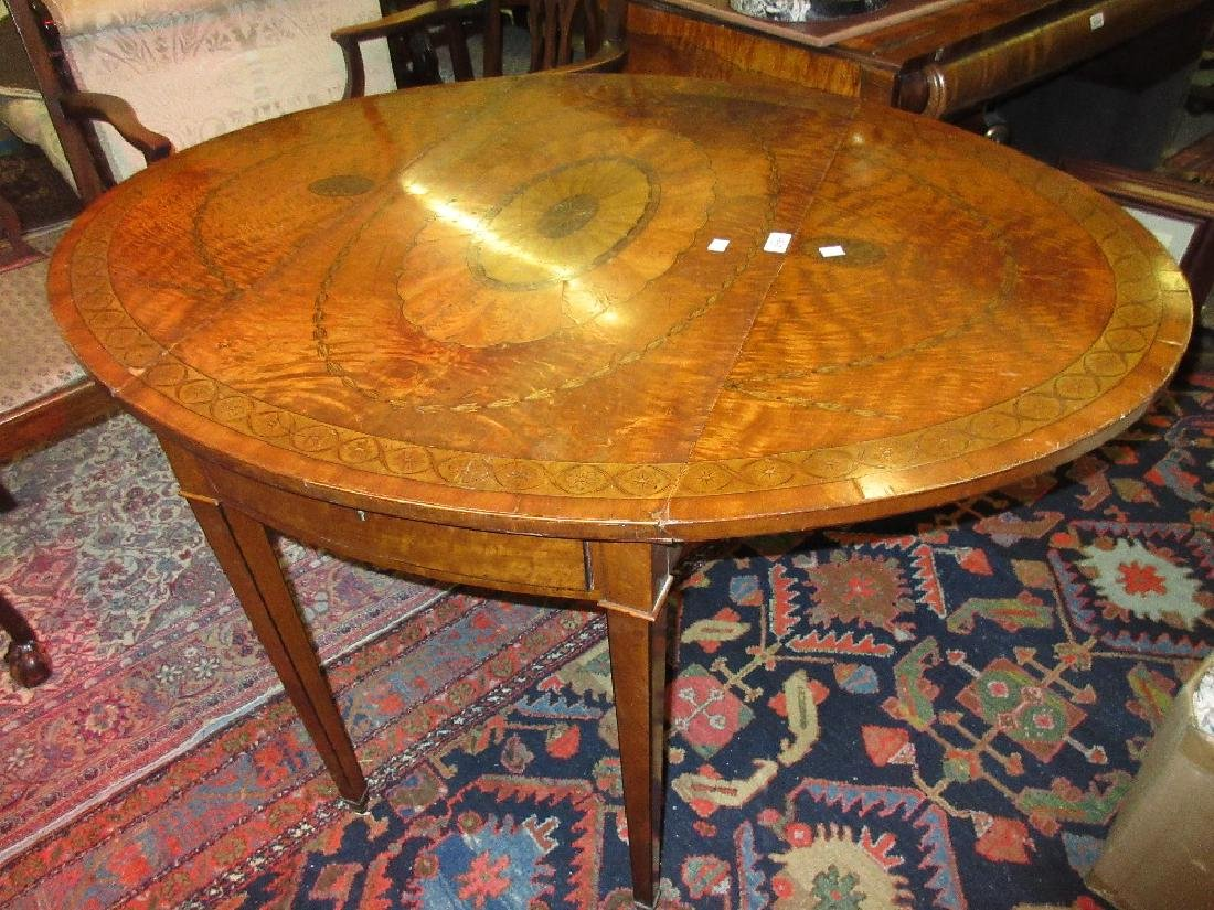 Late 19th or early 20th Century satinwood oval