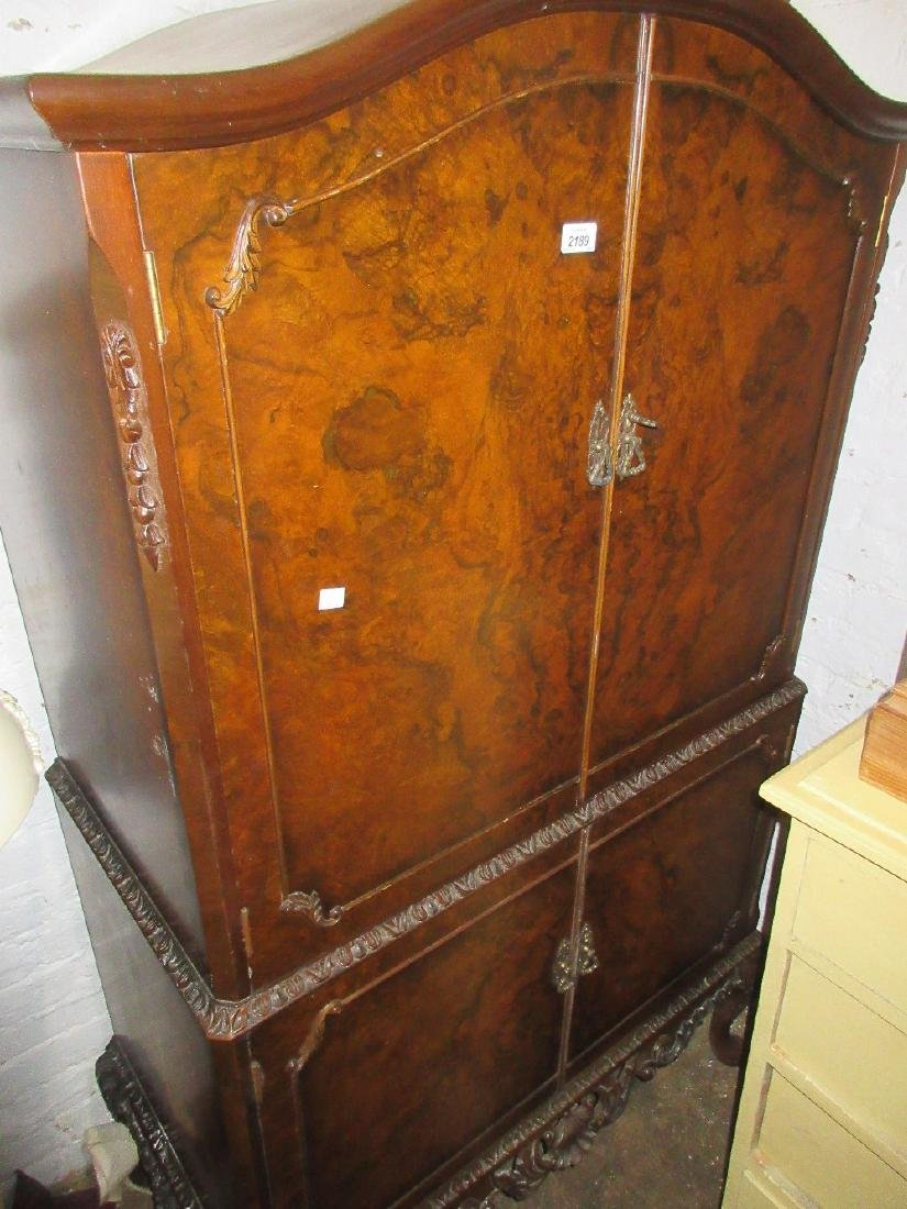 Mid 20th Century walnut drinks cabinet, together with a