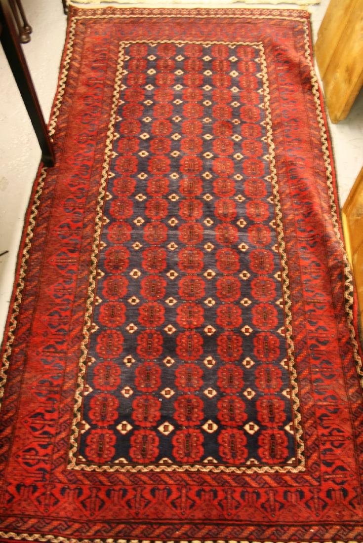 Turkish rug with five rows of gols and multiple borders