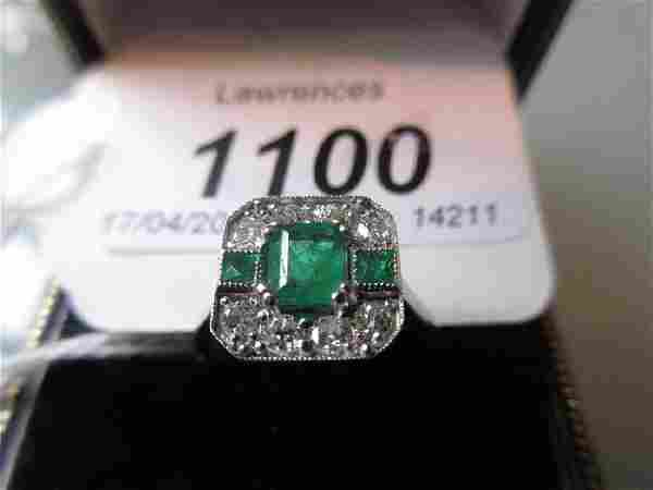 18ct White gold emerald and diamond set ring in Art