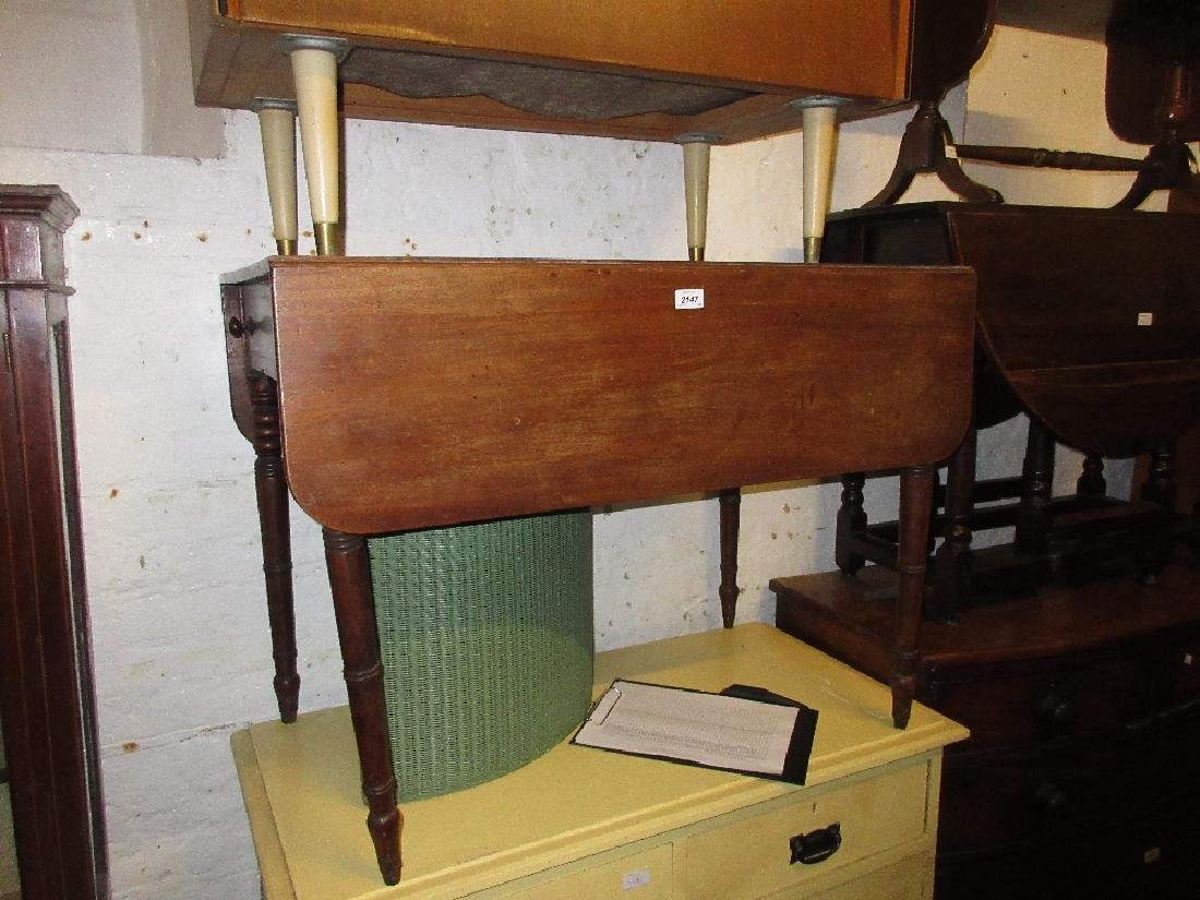 19th Century mahogany Pembroke table (lacking casters)