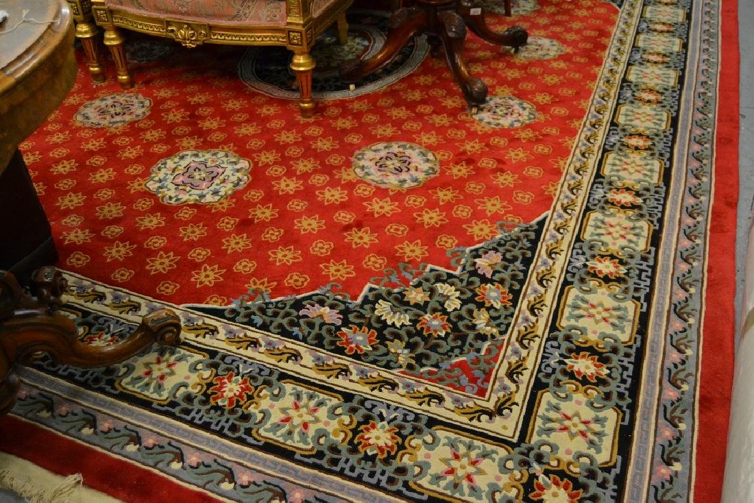 Good quality Chinese carpet with a medallion design on
