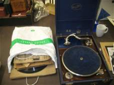 Portable cased Edison-Bell wind-up gramophone, together