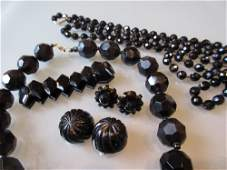 Small quantity of miscellaneous French and Whitby jet